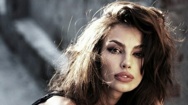 """You have problems, woman, go to control …"" Mădălina Ghenea blazed on social networks, after a virtual friend … (PHOTO)"