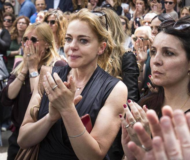 At Pietro Coccia's funeral the tears of Italian cinema
