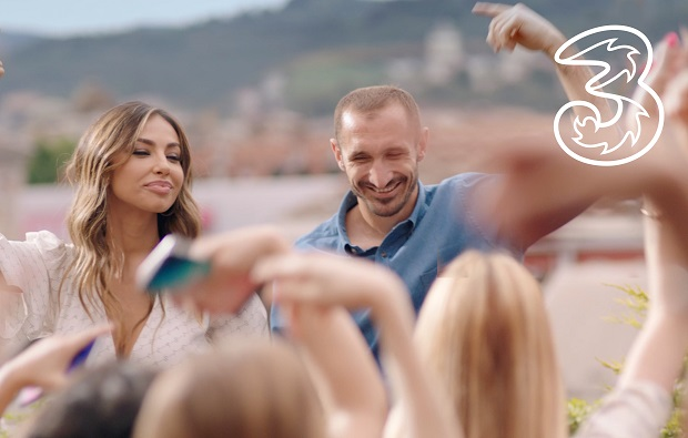 Rovazzi's new single in the new Wind Tre commercial with Chiellini and Madalina Ghenea