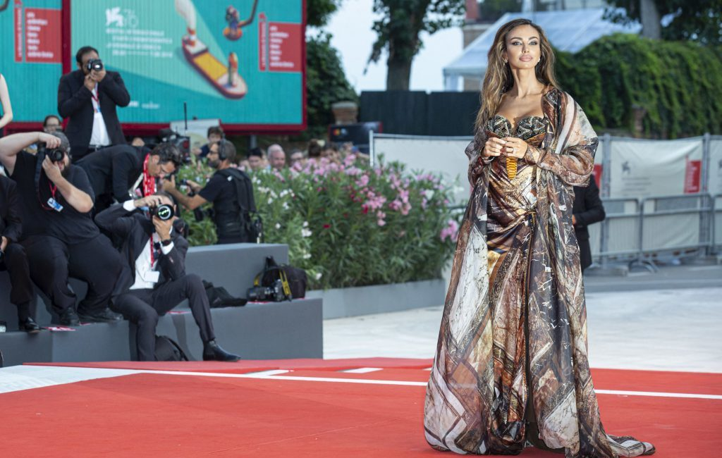 "Mădălina Ghenea, Impressive at the Premiere of the ""Joker"" Film From the Venice Festival"