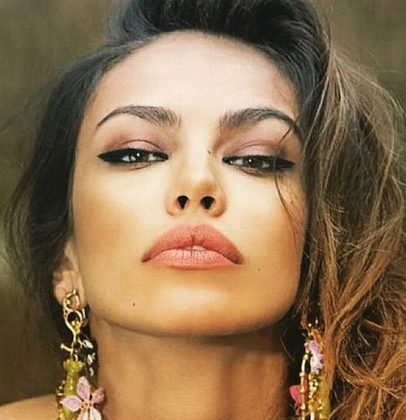 Madalina Ghenea, similar to her father. What message did he convey to him on his birthday