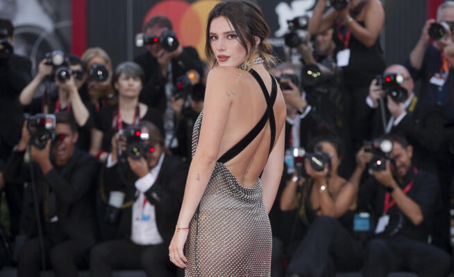 Venice 76: scandal Bella Thorne, nothing under the dress! – Photo