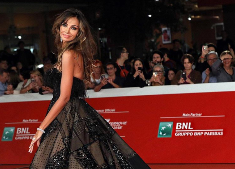 Madalina Ghenea drives Rome crazy. The Film Festival at the feet of the model