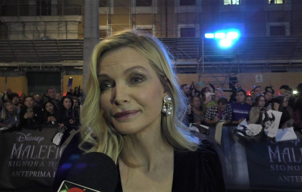 Maleficent, video interview with Michelle Pfeiffer on the red carpet