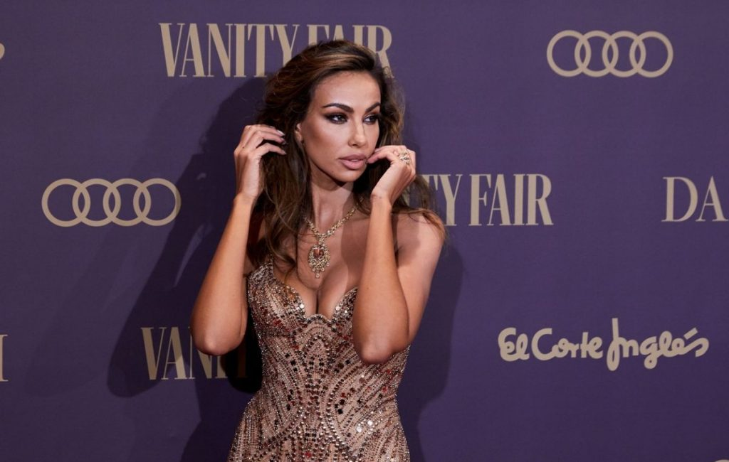 Mădălina Ghenea, appearance of note 10 at the Vanity Fair Gala. She wore a Versace dress