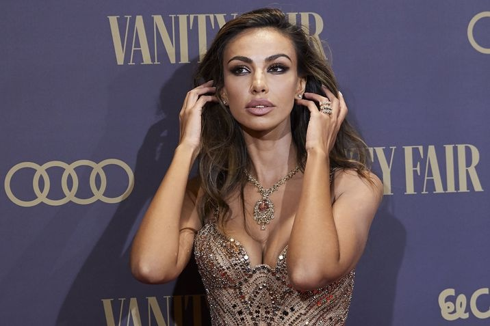 Mădălina Ghenea, stunning appearance at the Vanity Fair Gala