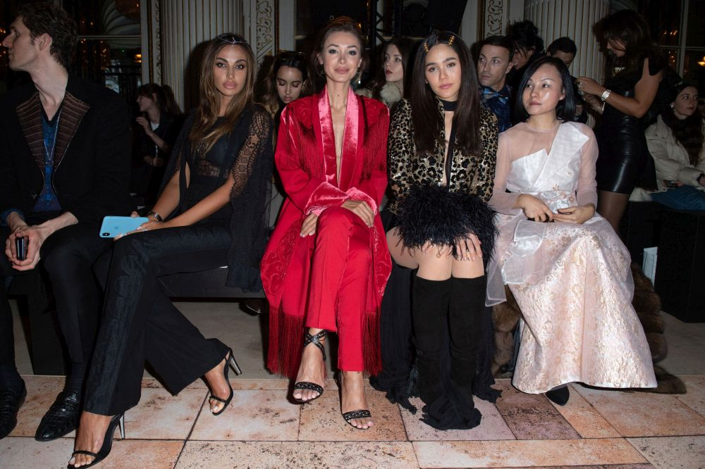 Mădălina Ghenea, spectacular appearance at Paris Fashion Week. The dress inspired by the Moroccan culture of – VIVA Magazine!