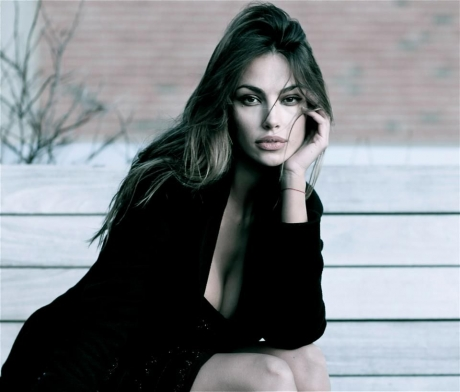Huge surprise. Mădălina Ghenea, the first role in a Romanian film