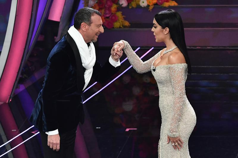 Listen to TV, Sanremo 2020 share up, but dilated times and spectators down