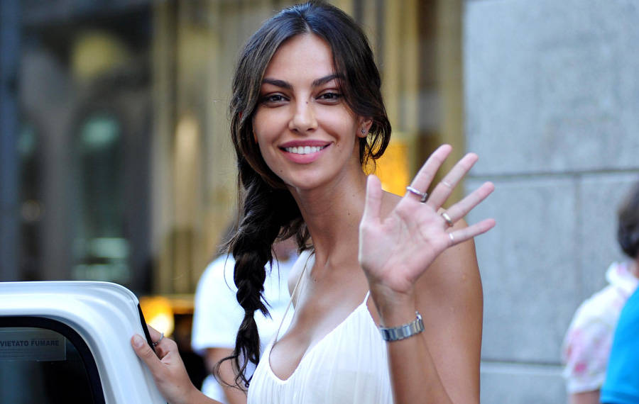 Mădălina Ghenea Celebrates her Mother. Great event in the Famous Family