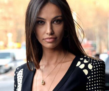 Mădălina Ghenea FORGOT to look at MONEY